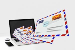 • Mesajele spam conțin adesea conținut ofensator sau ilegal.